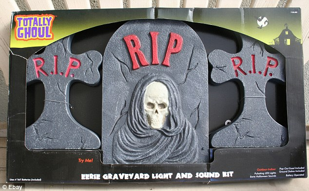 """The """"Totally Ghoul"""" Halloween tombstone set. Credit: The Daily Mail UK."""