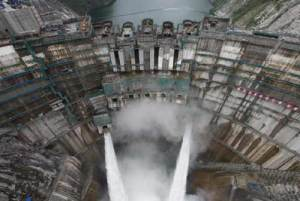 The 305-metre high arch dam of the Jinping I Power Station on Yalong River; Source: Sinohydro.