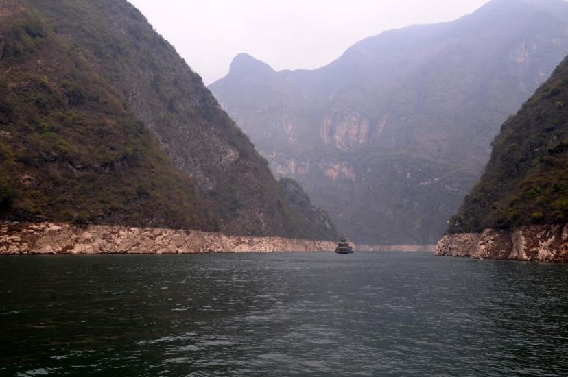 The reservoir area's drawdown zone in the Bawu Gorge in the Lesser Three Gorges on the Daning River, by Fan Xiao, March 2012.